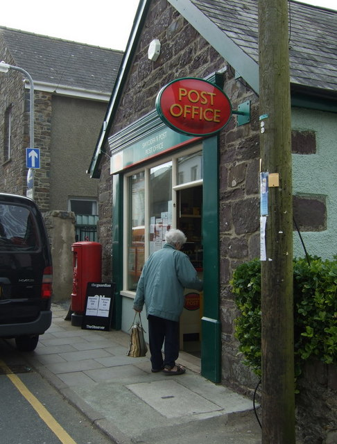 Swyddfa'r Post/Post Office