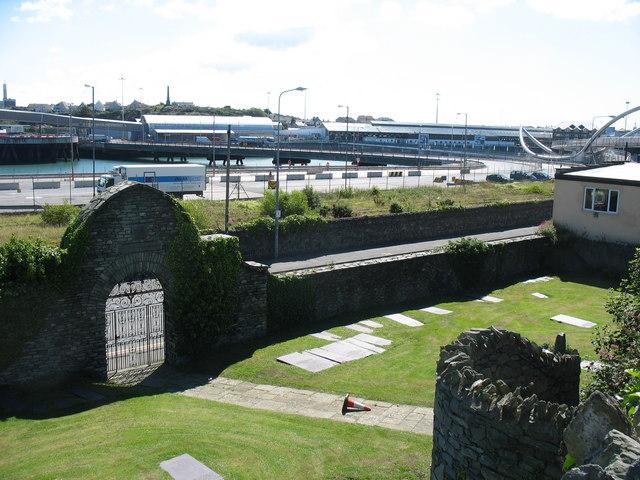 St Cybi's cemetery garden
