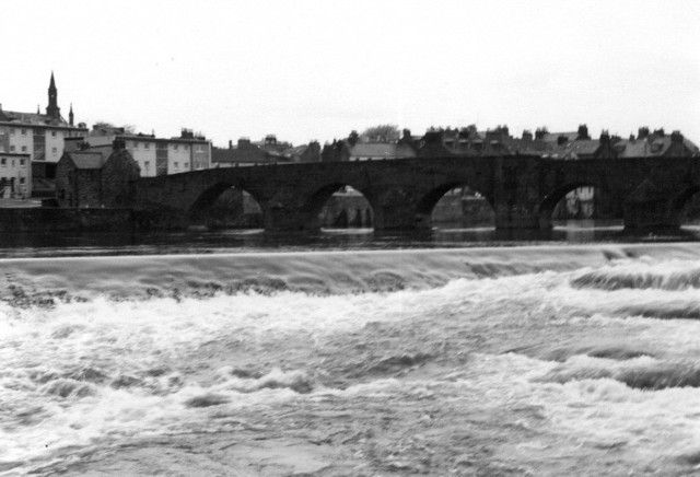 Dumfries Old Bridge and Weir