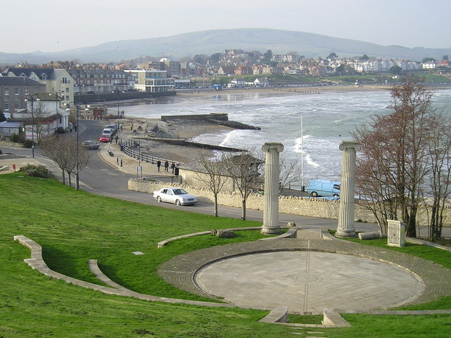 Overlooking Swanage © Charles Musselwhite :: Geograph Britain and ...: www.geograph.org.uk/photo/748659