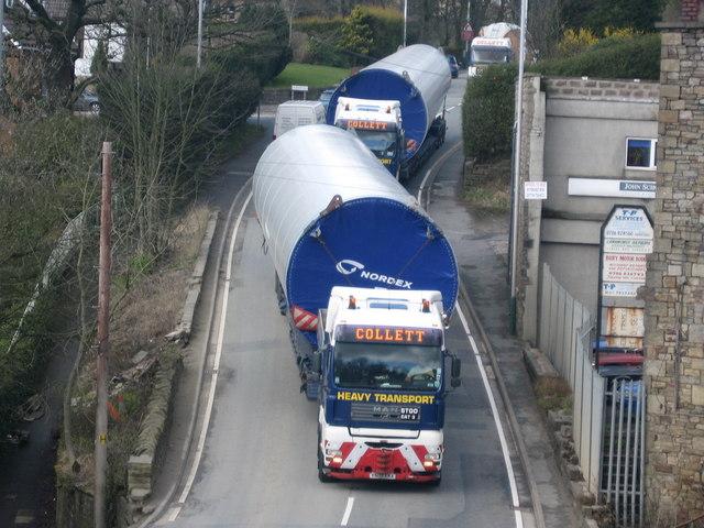 Turbine Convoy passing through Bridge Mills