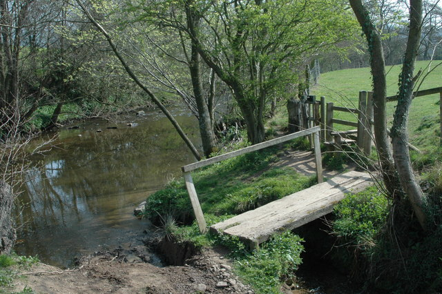 Footbridge & stile on the Onny Trail