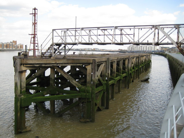 Woolwich: River Thames jetty