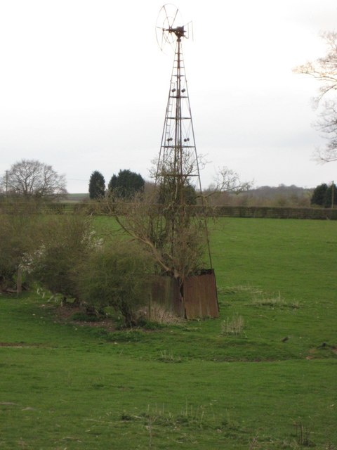 Wind Pump near Glebe Farm