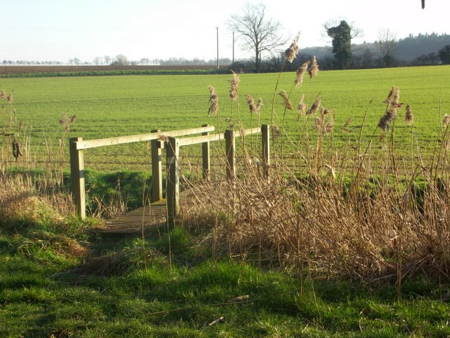Public footpath near Ampton Water