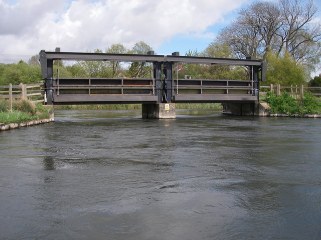 Hatches on the river Avon at Winkton