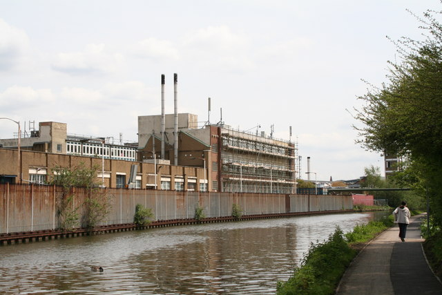 Townsend industrial estate, Paddington Arm, Grand Union Canal