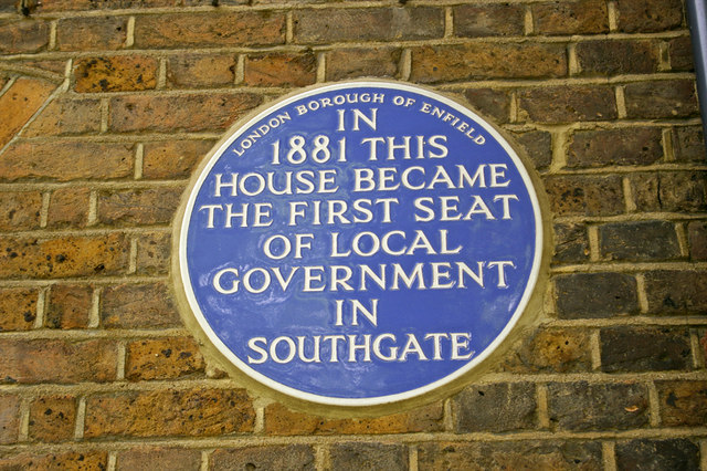 Blue plaque № 6482 - In  1881 this  house became  the first seat  of local   government in  Southgate