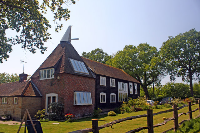 Scullsgate Oast, Coldharbour Road, Iden Green, Kent