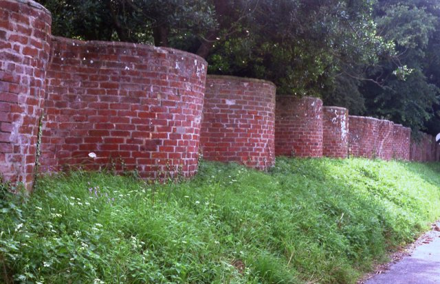Crinkle Crankle wall opposite church