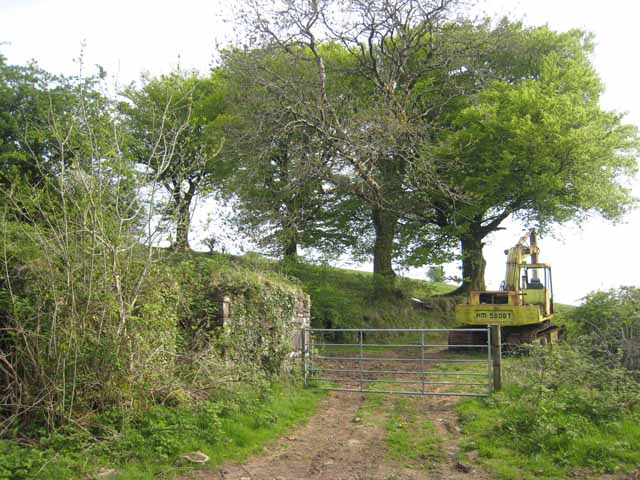 Farm machinery and gateway at Crosshill