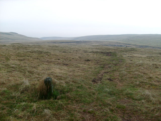 Boundary stone near Bwlch y Ddau Faen