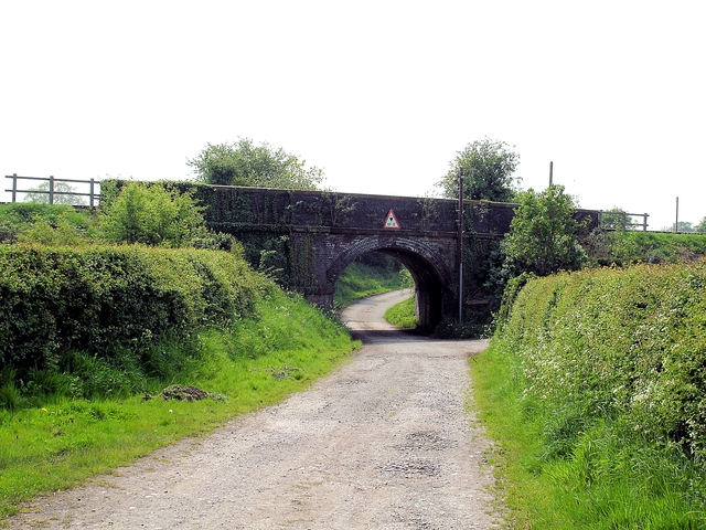 Newton-by-Tattenhall - railway bridge on the Eddisbury Way