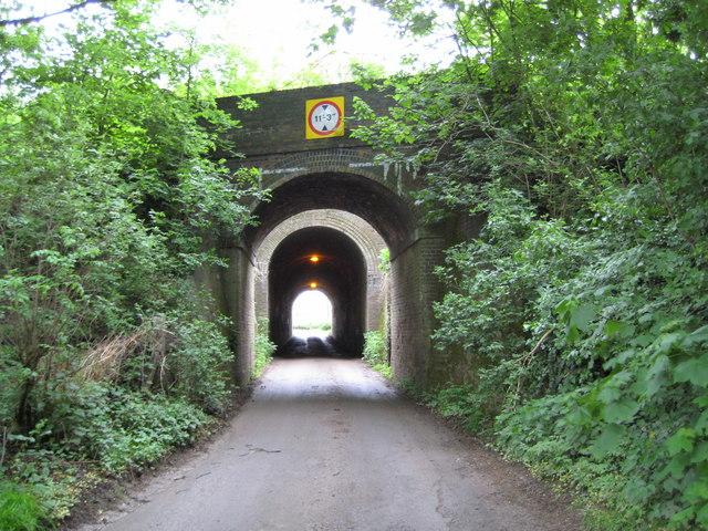 Hyde: Copt Hall Road railway bridges