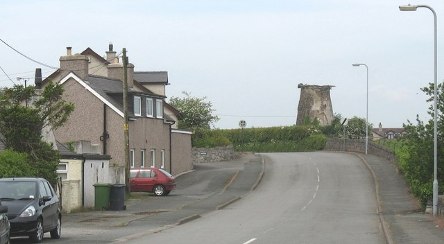 Approaching the ruined Pentre Berw Windmill