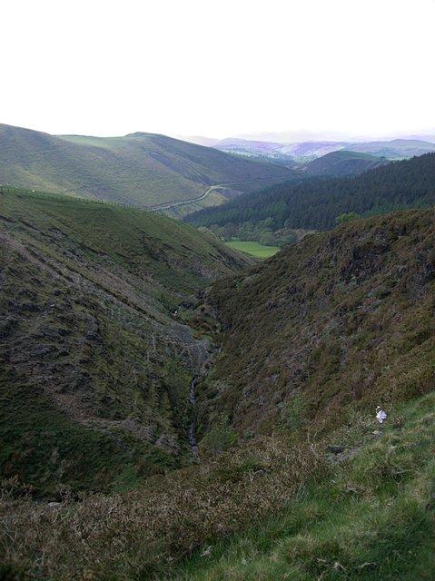 v shaped valley - photo #10