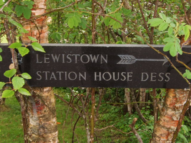 Sign for Lewistown and Station House Dess