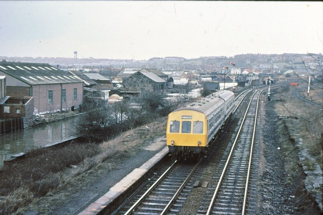 Railway and canal at Swinton GC station, 1979