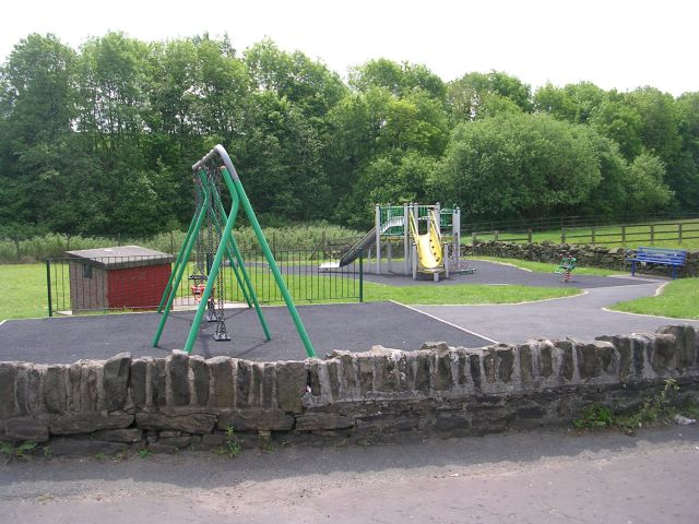 Playground - New Hey Road © Betty Longbottom cc-by-sa/2.0 ...