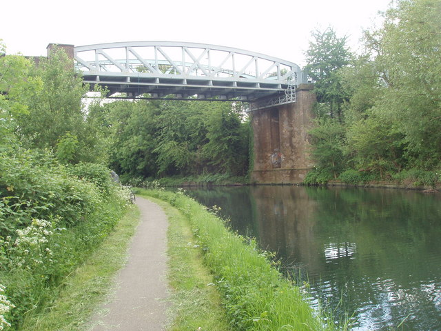 Grand Union Canal bridge - Piccadilly Line