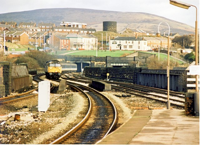 Stalybridge tunnel and surrounding housing 1989
