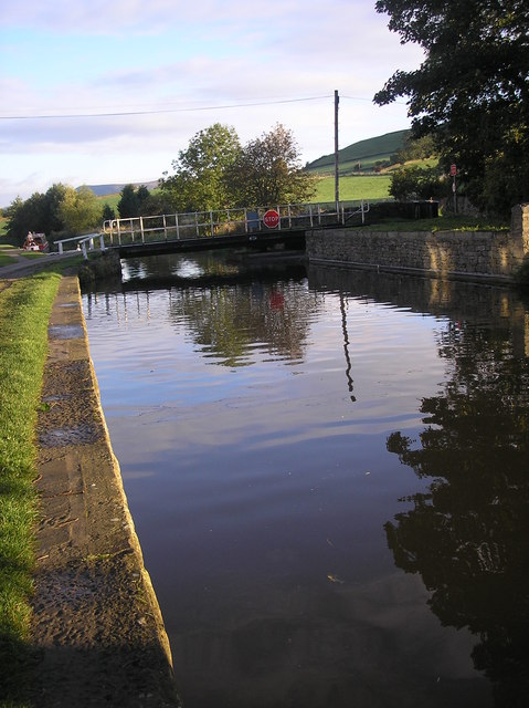 Leeds & Liverpool Canal just south of Skipton