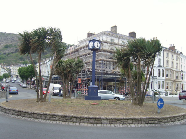 Clock on roundabout
