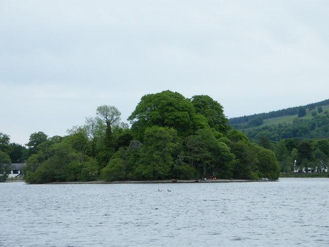 Island Loch Island on Loch Tay