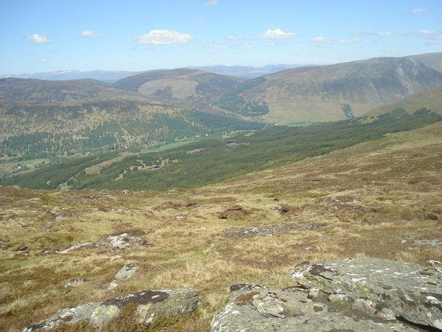 Looking northeast into Glen Lyon from the slopes of Meall Luaidhe