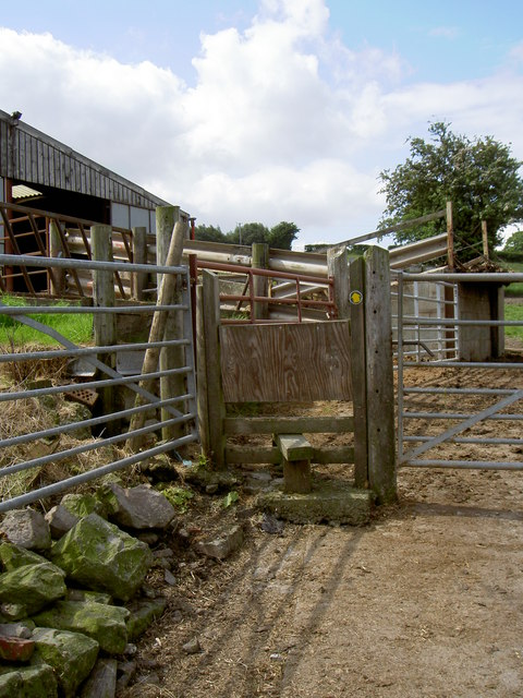 Footpath through Pentre Farm.