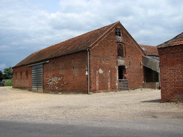 A Large Red Brick Barn 169 Evelyn Simak Cc By Sa 2 0
