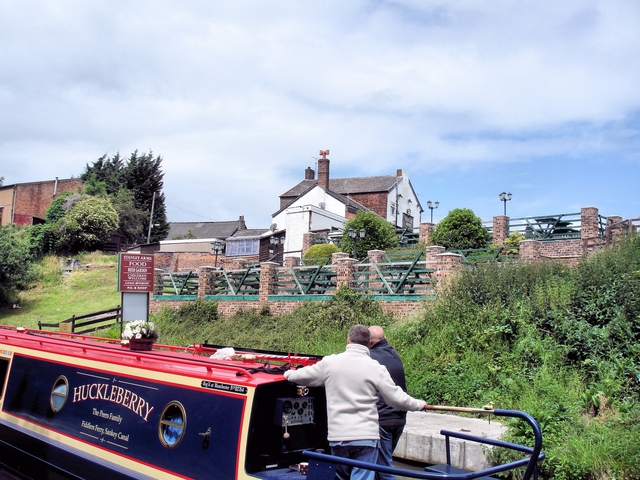 Anderton - Trent & Mersey Canal and the Stanley Arms