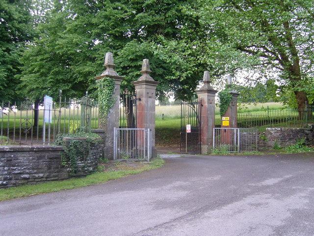 Entrance to Cefn-y-Parc Cemetery, Penygawsi