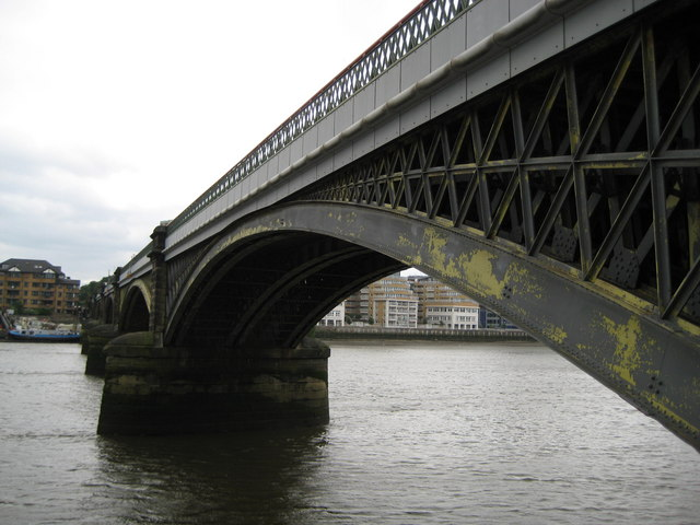 Battersea Railway Bridge (2)