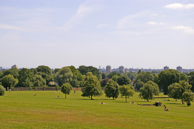 Broomfield Park. London N13