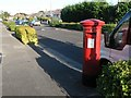 SZ0694 : East Howe: postbox № BH10 322, Kingsbere Avenue by Chris Downer