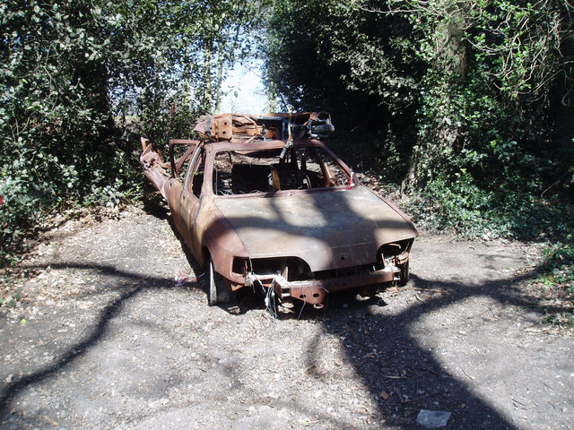 Burnt out car in Bostall Woods