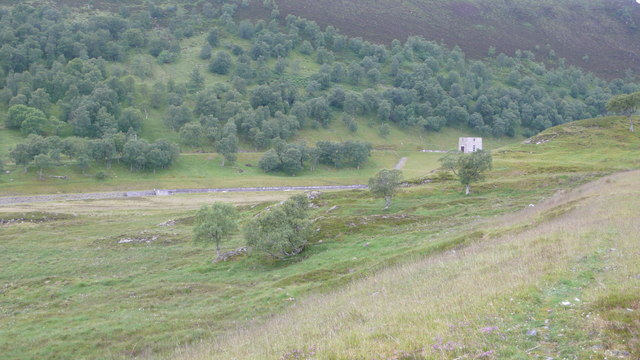 Loch Vaich Dam
