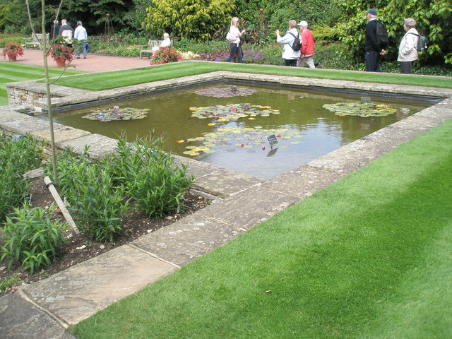 Rectangular Pond At Rhs Wisley Basher Eyre Geograph Britain And Ireland