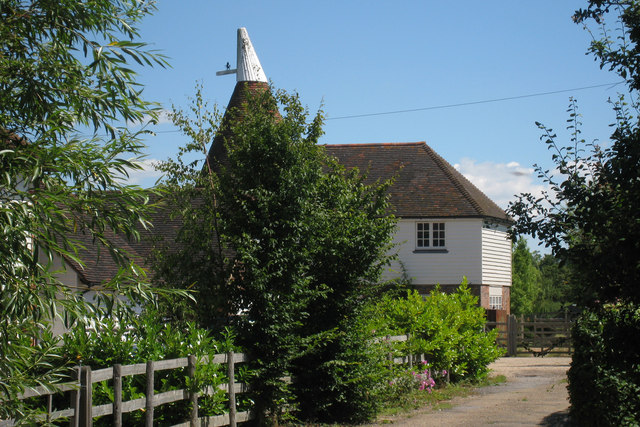 The oast tile barn farm biddenden oast house for The headcorn minimalist house kent