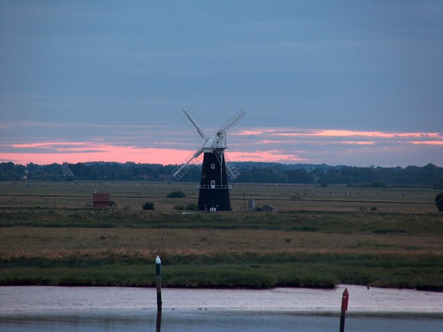 Berney Arms windmill at dusk