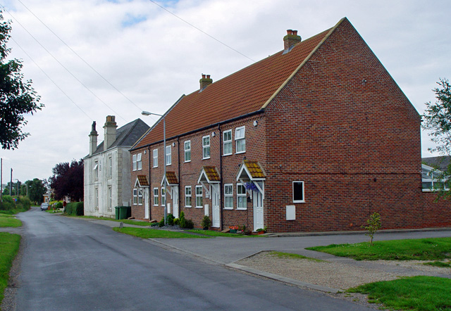 Broadley House and Granary Cottages, Ryehill