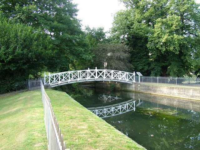 Footbridge in Acacia Hall gardens
