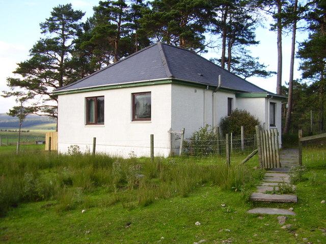 Croc Dubh Cottage, Borrobol Estate