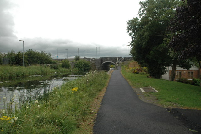 Towpath on north bank of the Royal Canal at Maynooth;© Copyright Roger Butler licensed CC-Licence.