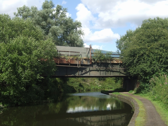 Dudley No 1 Canal - Norish British Steel Bridge