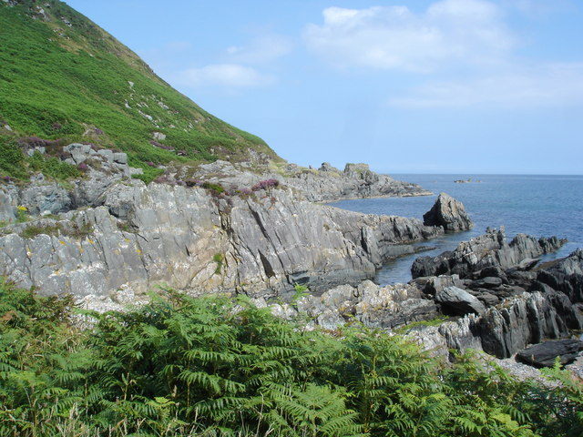 Rocky path to Port a Dorais
