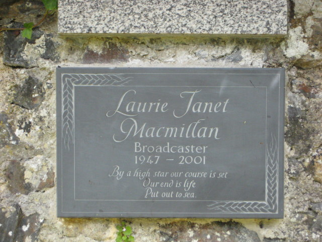 Memorial plaque to Laurie Macmillan (Radio Presenter)