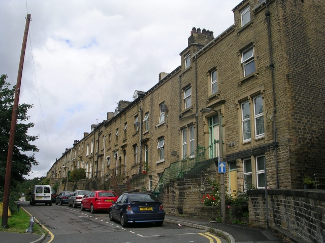 Houses at bottom of Outcote Bank