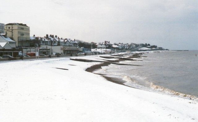 herne bay beach in winter looking west d gore. Black Bedroom Furniture Sets. Home Design Ideas